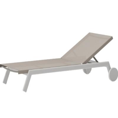 Ghế tắm nắng có bánh xe