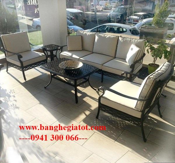 Bộ bàn ghế sofa hợp kim nhôm đúc