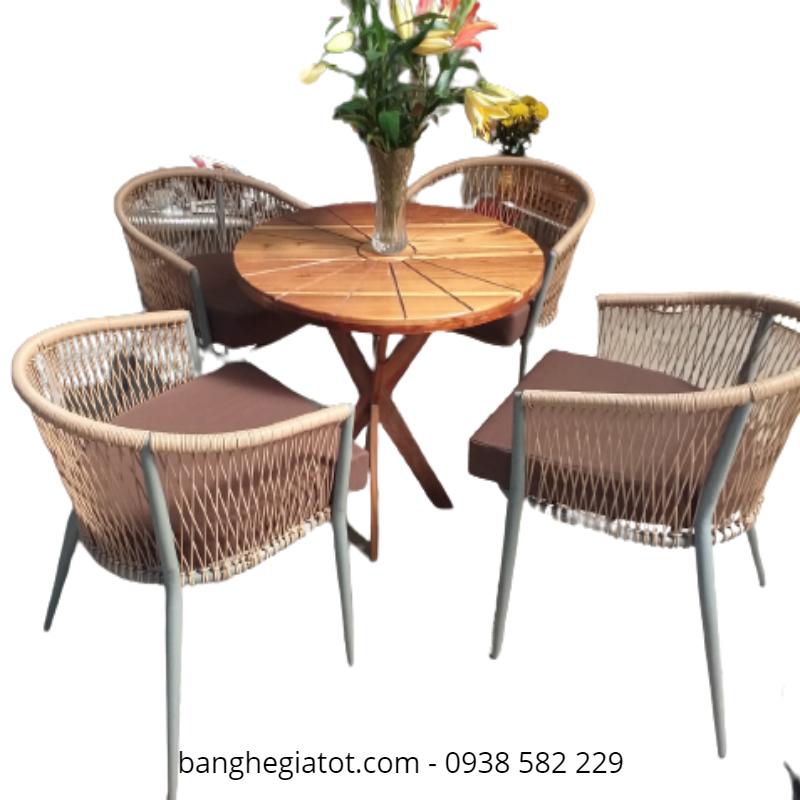 bàn ghế khung sắt sơn tinh điện
