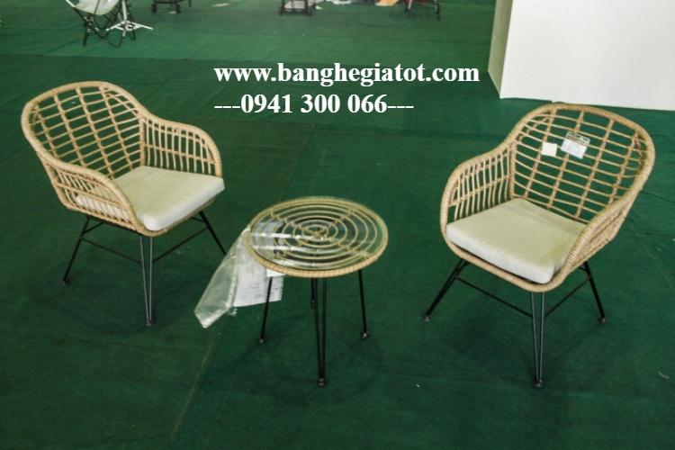 Bộ bàn ghế mây đan