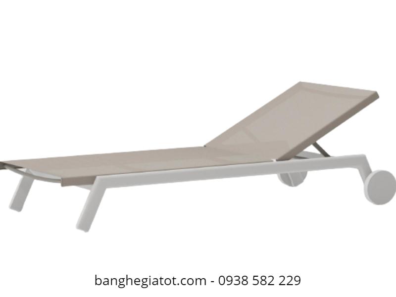 phân phối giường tắm nắng khung sắt